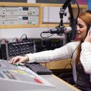 Выставка  «Слушайте радио на музейной частоте» фотографии