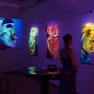 Выставка ультрафиолетовой живописи «Преображение» фотографии