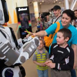 Выставка роботов «Робополис»