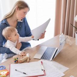 Горячая телефонная линия по вопросам выплат семьям с детьми