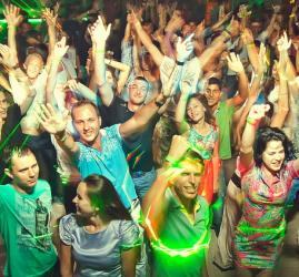 Летняя вечеринка «Ночь золотых хитов» 2017