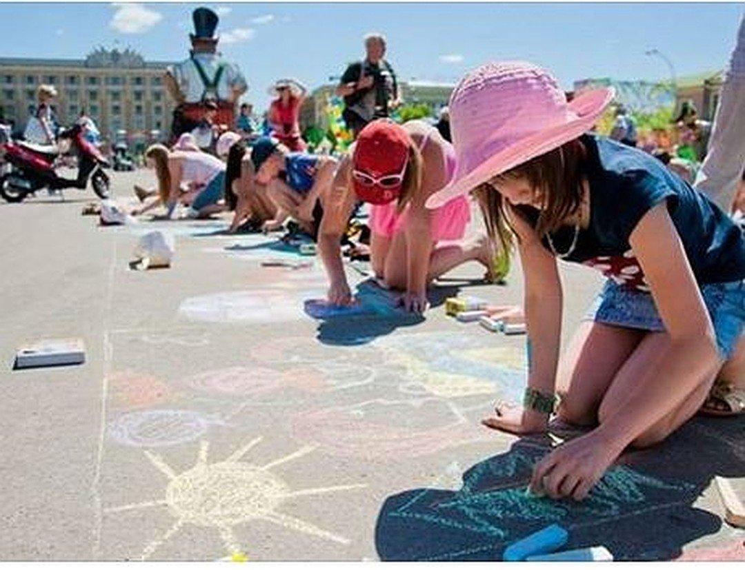 День защиты детей наЦветном бульваре «Мама, папа, давайте играть!» 2019