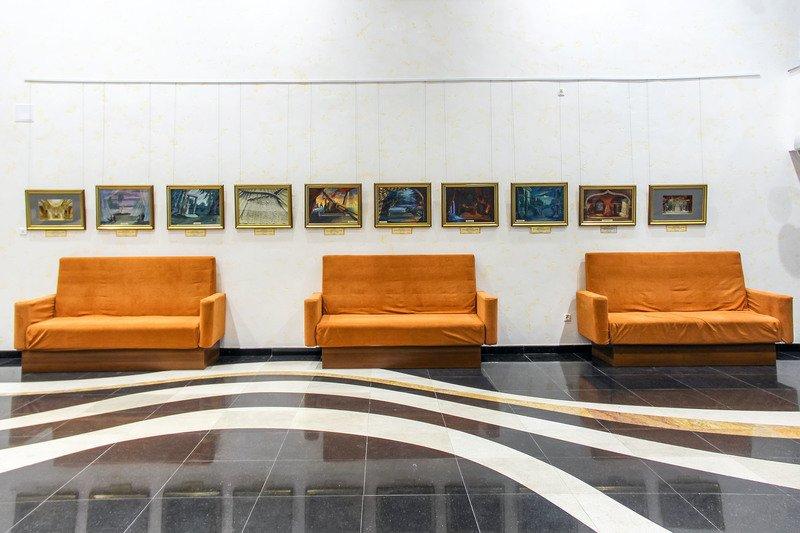 Выставка «Театр уже полон»