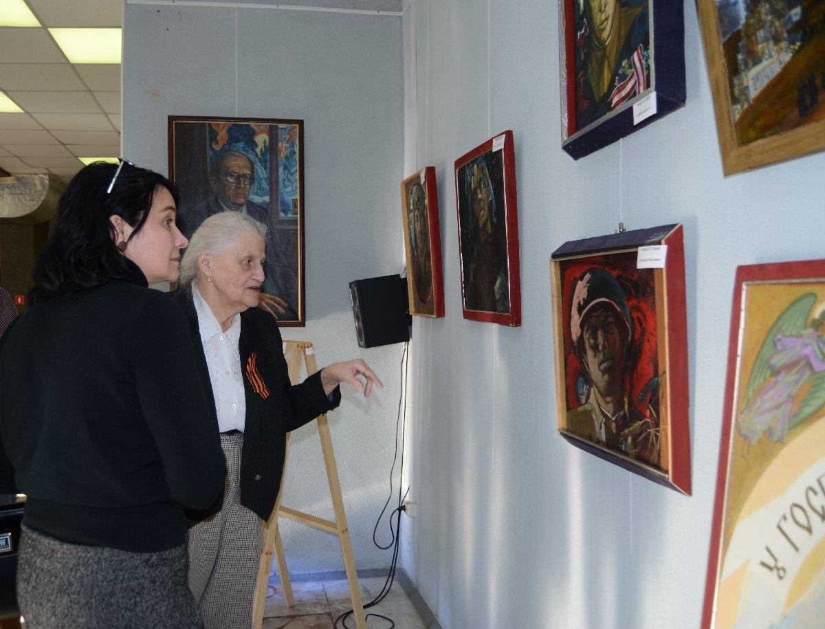 Выставка «Бессмертный полк» Остапа Шруба»
